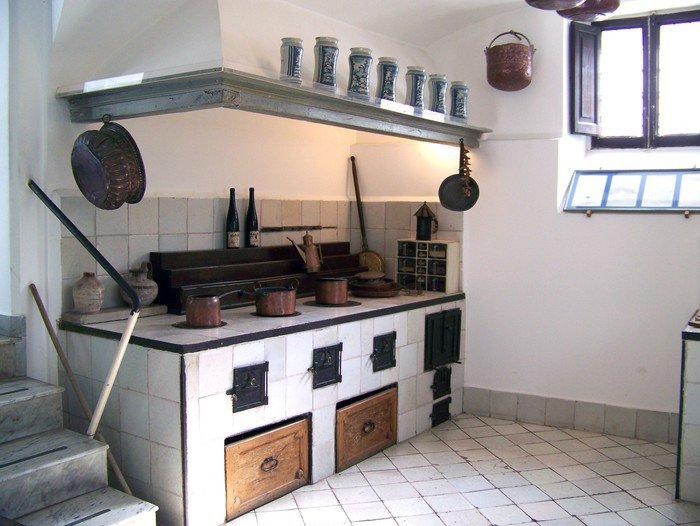 Modle cuisine ancienne decoration d une cuisine ancienne for Amenagement cuisine ancienne