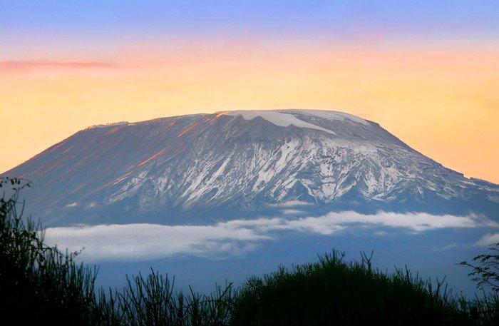 Obraz na Płótnie Wschód słońca na Kilimandżaro - Niebo