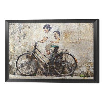 """""""Małe dzieci na rowerze"""" mural."""