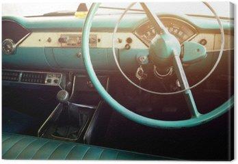 Klasyczny samochód - pojazd wnętrze rocznika