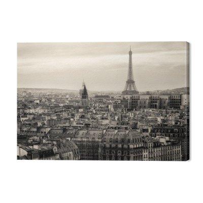 Widok na Paryż i Wieżę Eiffla z góry