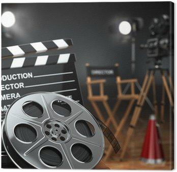 Wideo, film, koncepcja kina. Aparat retro, kołowrotki, Klaps