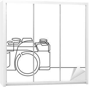 continuous line drawing of retro photo camera