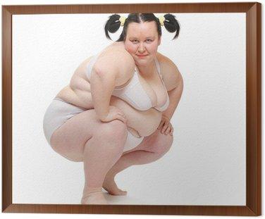 Nadwaga kobieta, ubrana w bikini na białym tle.