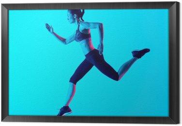 Kobieta biegacz izolowane