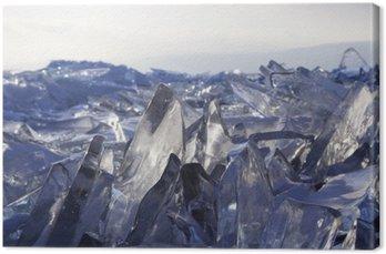 Kawałki lodu błyszczą w słońcu. Bajkał, Rosja.