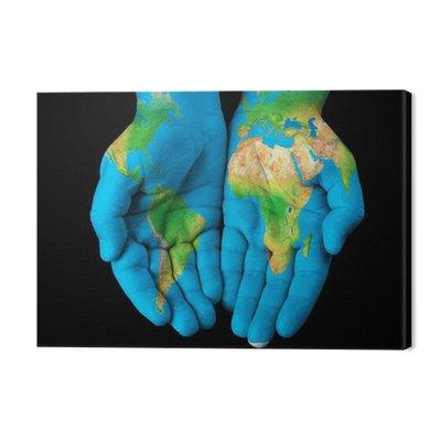 Mapa malowane na ręce pokazano koncepcji - Świat w naszych rękach