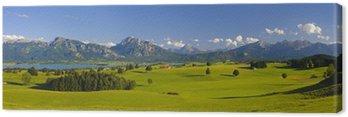 Krajobraz panorama w Bawarii z Alp