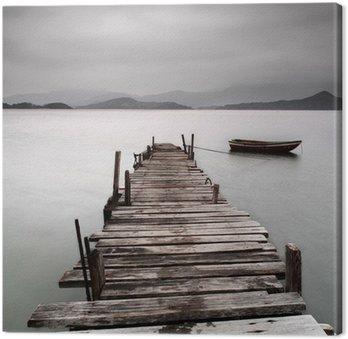 Patrząc na molo i łodzi, niskie nasycenie